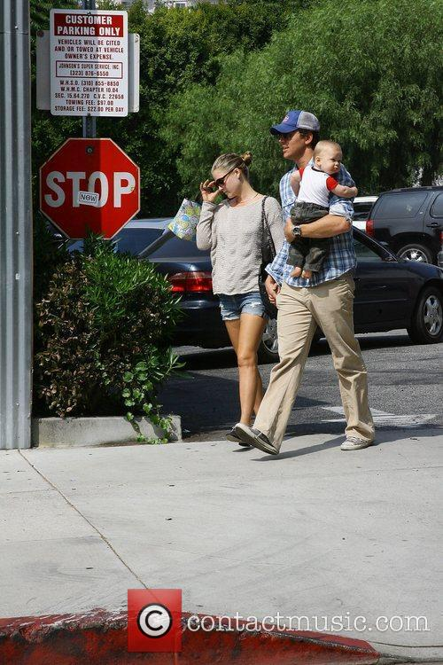 Ali Larter and Hayes Macarthur 9