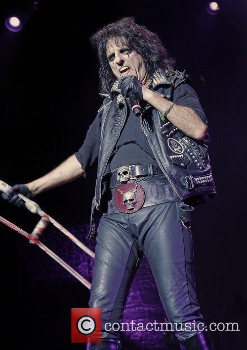 alice cooper performing the no more mr 3584536