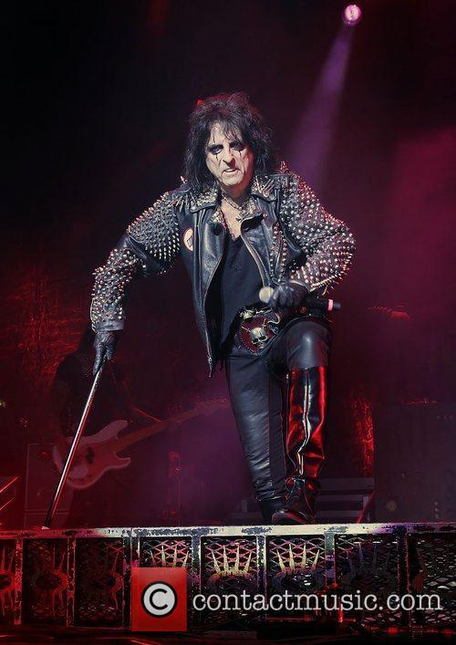 Alice Cooper and Manchester Apollo 1