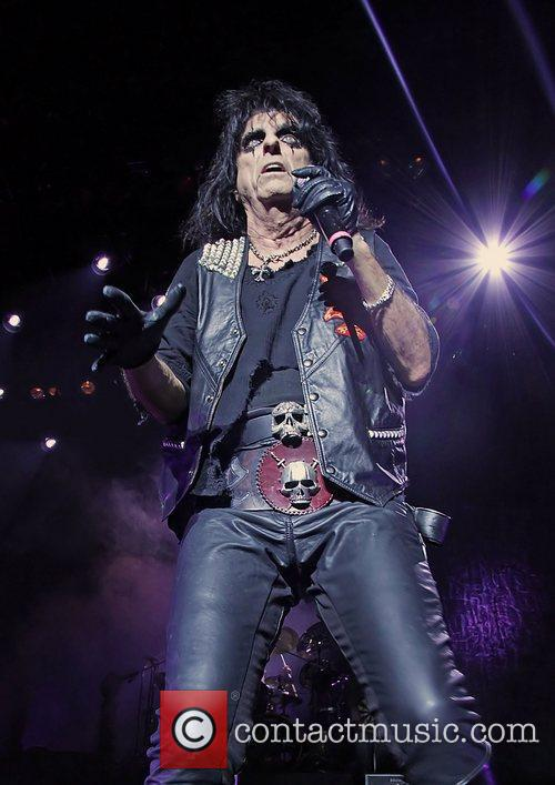 Alice Cooper and Manchester Apollo 11