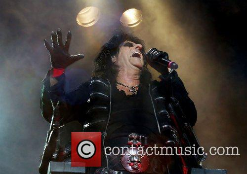 alice cooper performing the no more mr 3584553