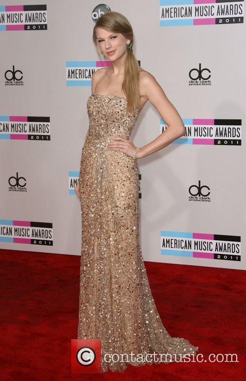 Taylor Swift and American Music Awards 7