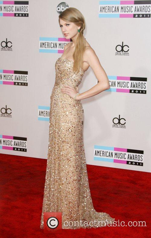 Taylor Swift and American Music Awards 8
