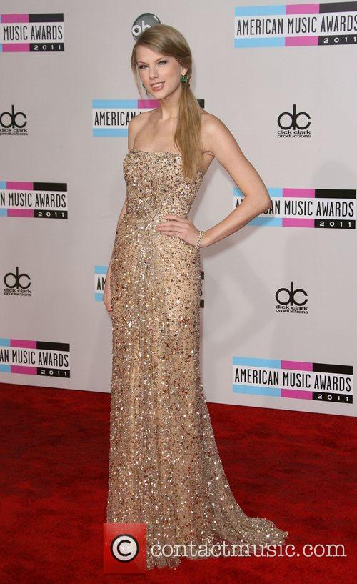 Taylor Swift and American Music Awards 9