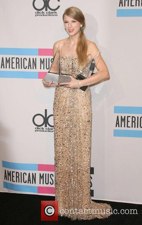 Taylor Swift and American Music Awards 11