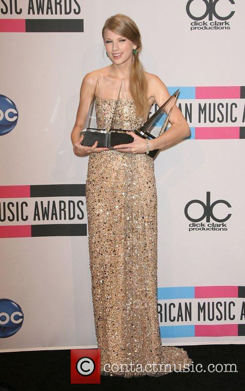 Taylor Swift and American Music Awards 3