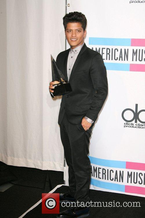 Bruno Mars and American Music Awards 3