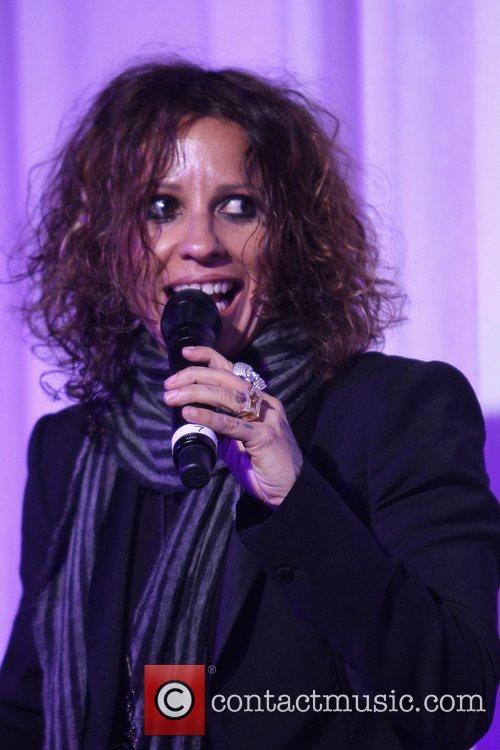 Linda Perry 1