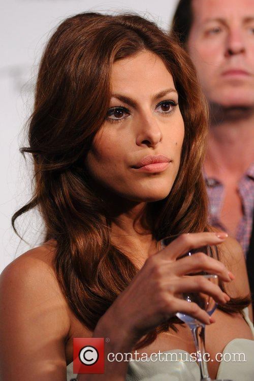 Eve Mendes Eva Mendes reveals her new campaign...