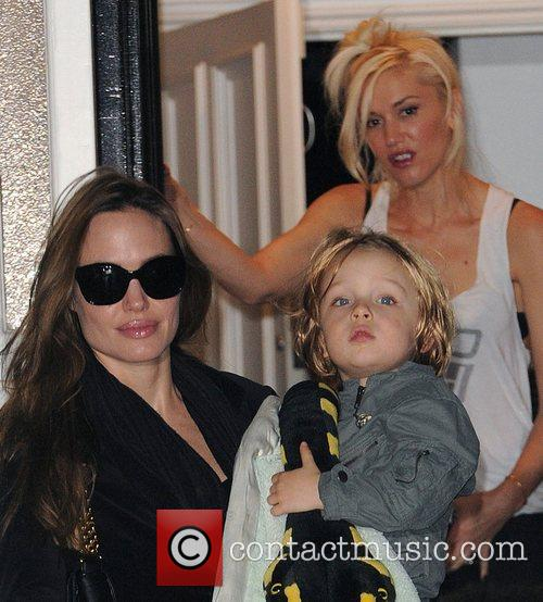 Angelina Jolie, Gwen Stefani and Shiloh 2