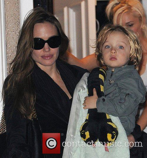 Angelina Jolie, Gwen Stefani and Shiloh 4