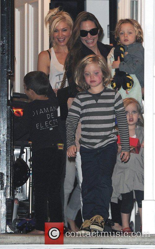 Angelina Jolie, Gwen Stefani and Shiloh 10