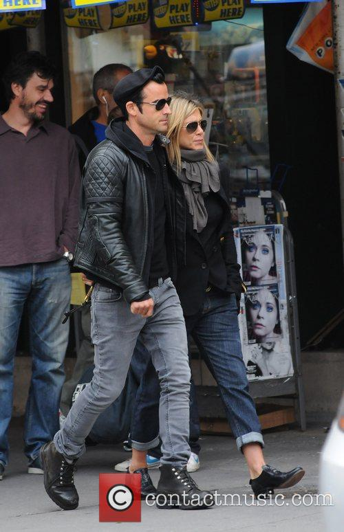 Jennifer Aniston and Justin Theroux 2