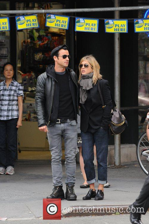 Jennifer Aniston and Justin Theroux 3