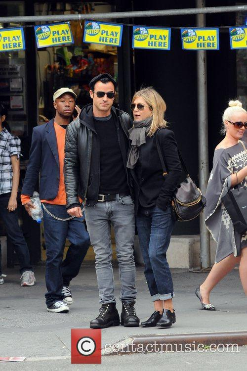 Jennifer Aniston and Justin Theroux 4