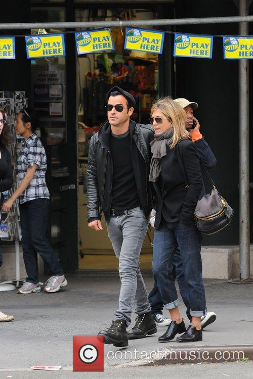 Jennifer Aniston and Justin Theroux 5