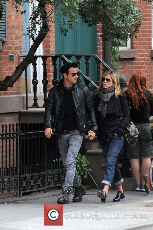 Jennifer Aniston and Justin Theroux 7