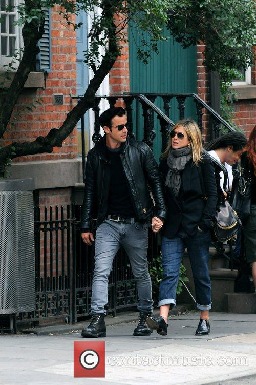 Jennifer Aniston and Justin Theroux 8