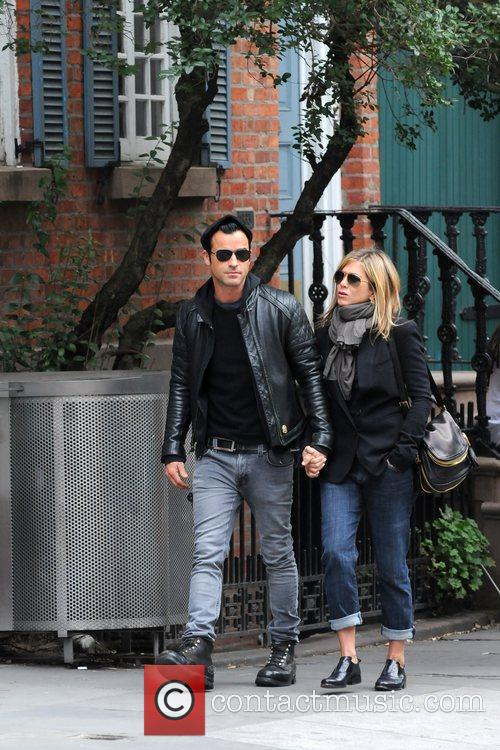 Jennifer Aniston and Justin Theroux 9
