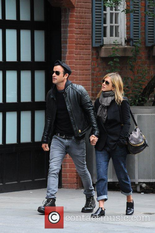Jennifer Aniston and Justin Theroux 11