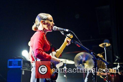 anna calvi performing live at the shepherds 3587416