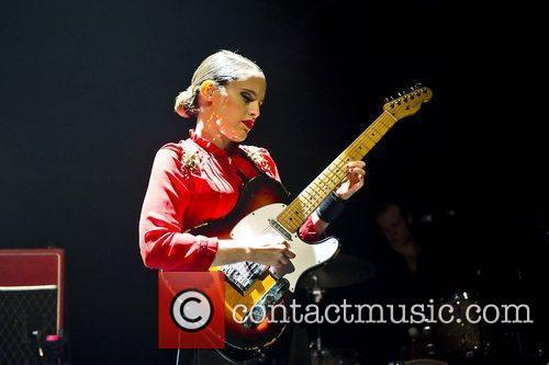 anna calvi performing live at the shepherds 3587422