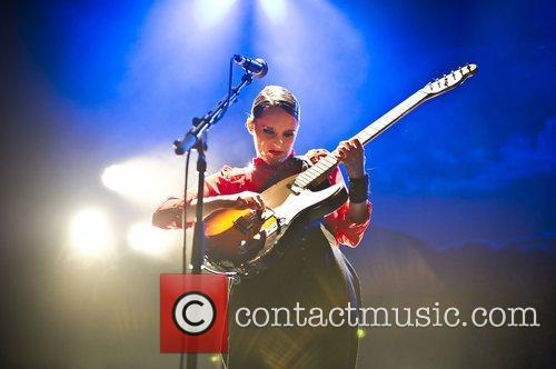 anna calvi performing live at the shepherds 3587424