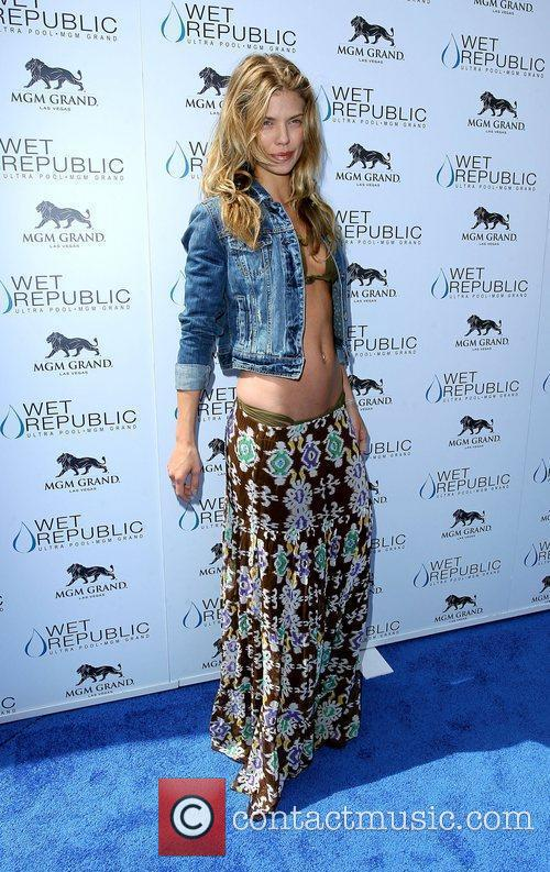 AnnaLynne McCord, Las Vegas and Mgm 24