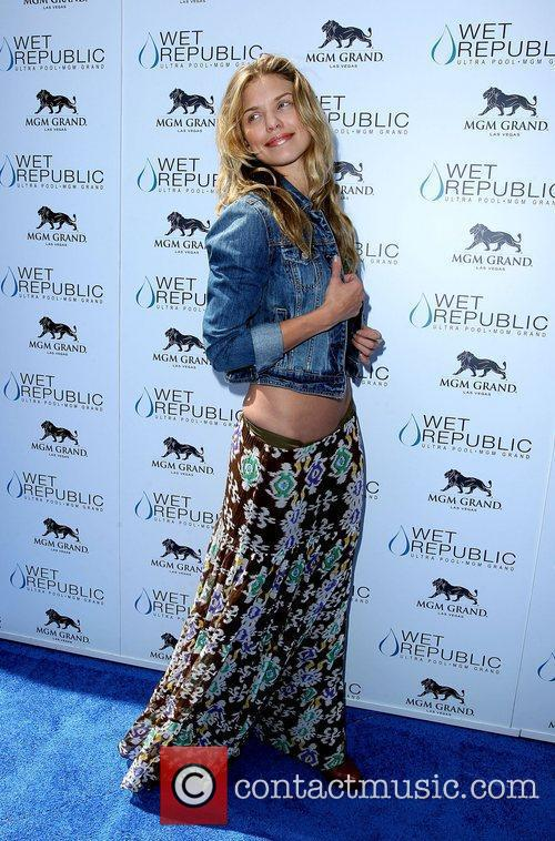 AnnaLynne McCord, Las Vegas and Mgm 33