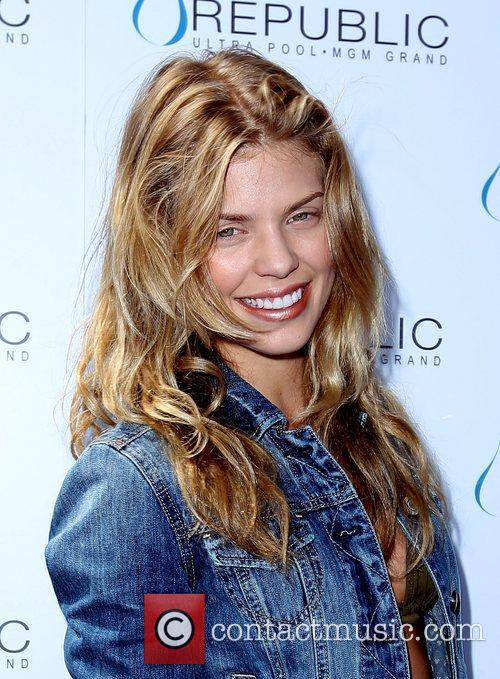 Annalynne Mccord, Las Vegas and Mgm 1