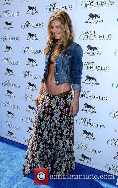 Annalynne Mccord, Las Vegas and Mgm 5