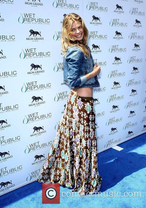 Annalynne Mccord, Las Vegas and Mgm 10