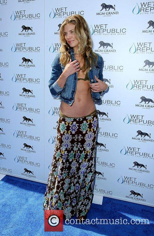 AnnaLynne McCord, Las Vegas and Mgm 23
