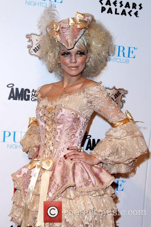 AnnaLynne McCord and Caesars Palace 16