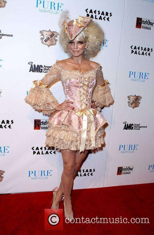 AnnaLynne McCord and Caesars Palace 14
