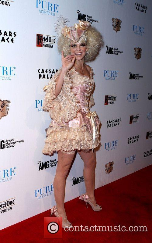 AnnaLynne McCord and Caesars Palace 28