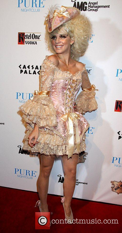 AnnaLynne McCord and Caesars Palace 31