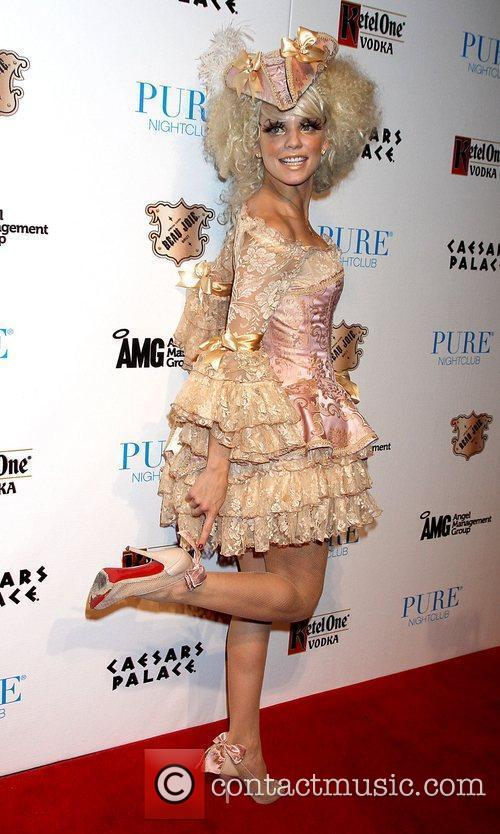 AnnaLynne McCord and Caesars Palace 40