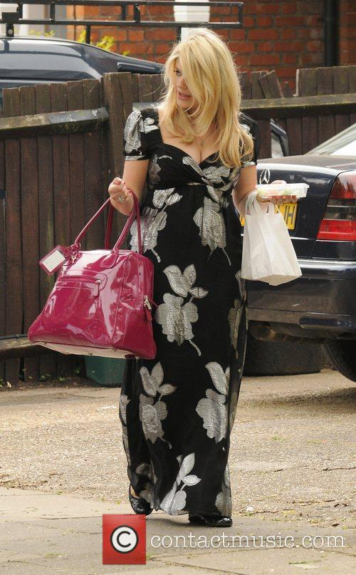 Holly Willoughby 3