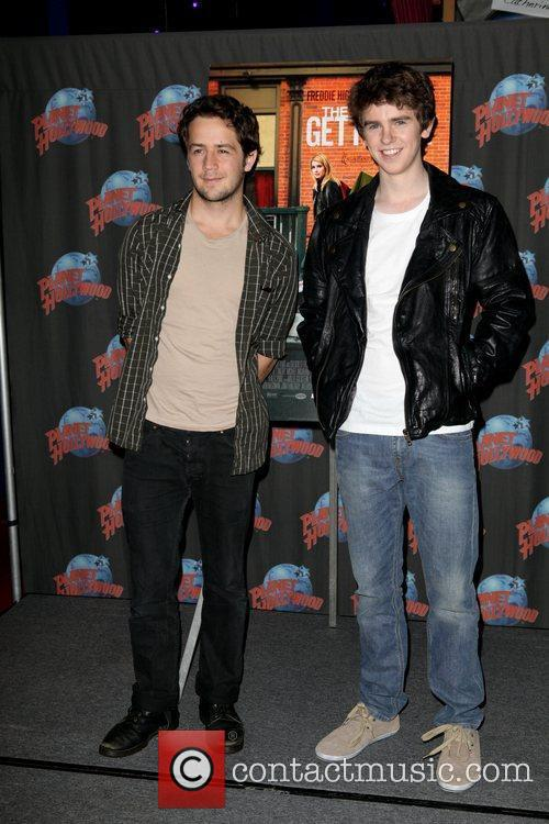 Michael Angarano and Freddie Highmore 1