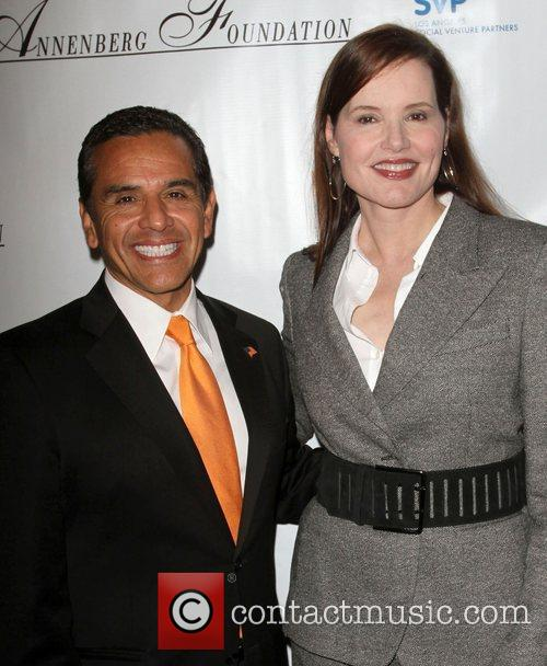 Antonio Villaraigosa and Geena Davis 3