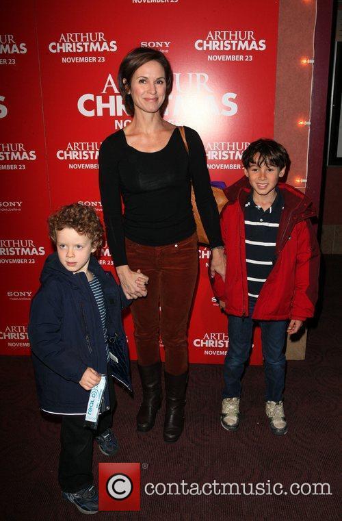 Elizabeth Vargas and sons Sam and Zachary Arthur...