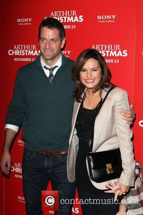 Peter Hermann and Mariska Hargitay 3