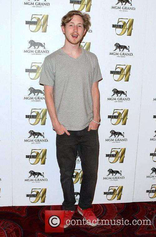 Asher Roth 9