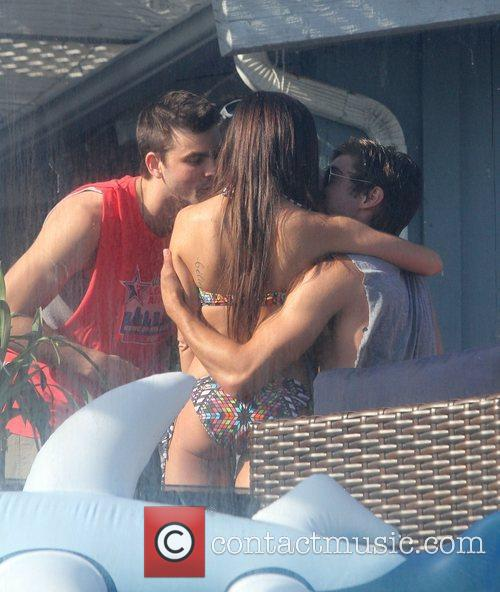 when did zac efron and ashley tisdale start dating