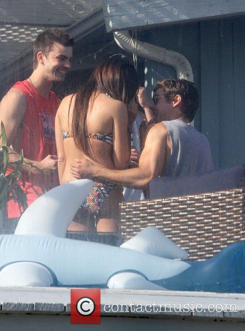 Ashley Tisdale and Zac Efron 3