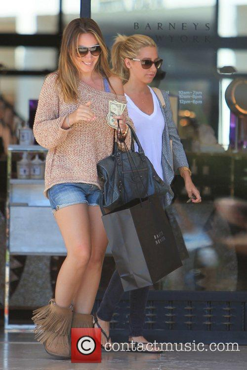 Haylie Duff and Ashley Tisdale 27