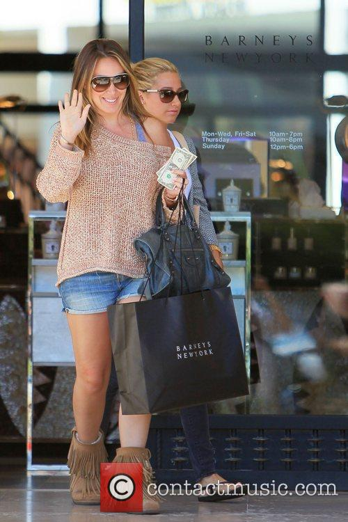 Haylie Duff and Ashley Tisdale 24