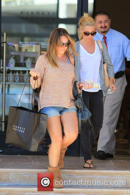 Haylie Duff and Ashley Tisdale 21