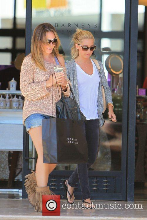Haylie Duff and Ashley Tisdale 25